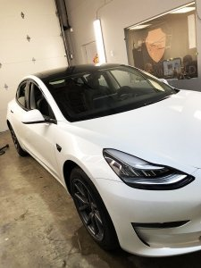 Tesla model 3 dechrome